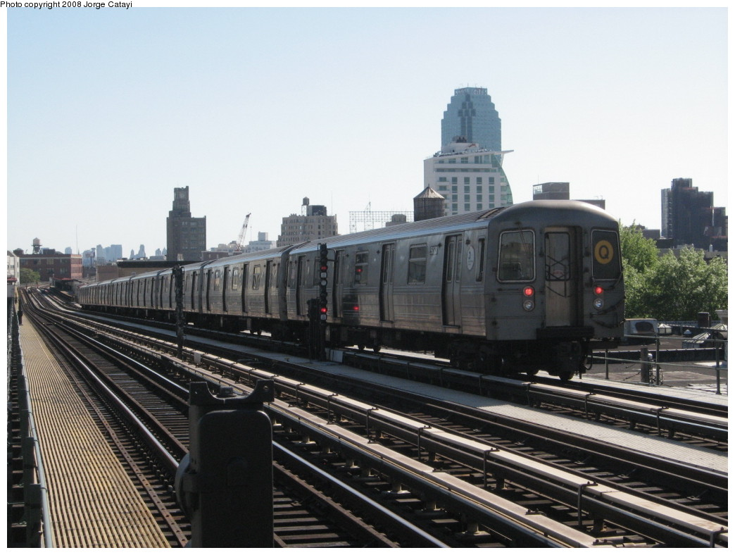 (200k, 1044x788)<br><b>Country:</b> United States<br><b>City:</b> New York<br><b>System:</b> New York City Transit<br><b>Line:</b> BMT Astoria Line<br><b>Location:</b> 36th/Washington Aves. <br><b>Route:</b> Q reroute<br><b>Car:</b> R-68A (Kawasaki, 1988-1989)  5078 <br><b>Photo by:</b> Jorge Catayi<br><b>Date:</b> 5/25/2008<br><b>Viewed (this week/total):</b> 1 / 1490
