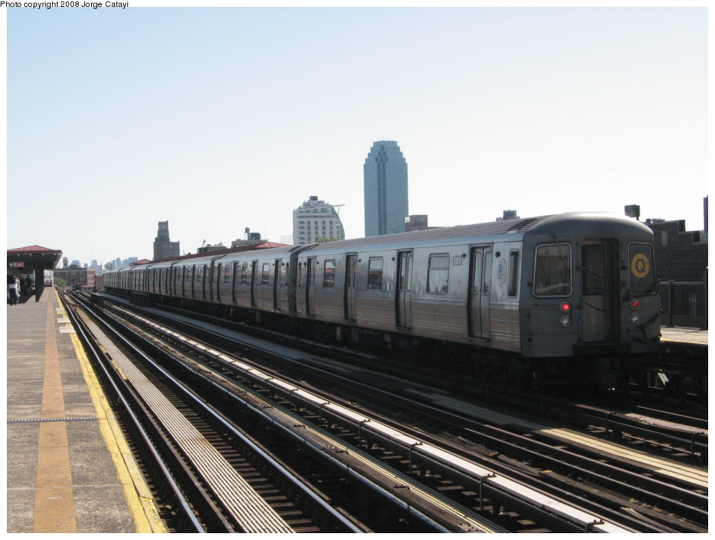 (183k, 1044x788)<br><b>Country:</b> United States<br><b>City:</b> New York<br><b>System:</b> New York City Transit<br><b>Line:</b> BMT Astoria Line<br><b>Location:</b> 36th/Washington Aves. <br><b>Route:</b> Q reroute<br><b>Car:</b> R-68A (Kawasaki, 1988-1989)  5154 <br><b>Photo by:</b> Jorge Catayi<br><b>Date:</b> 5/25/2008<br><b>Viewed (this week/total):</b> 1 / 709