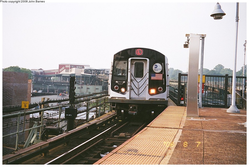 (253k, 1044x699)<br><b>Country:</b> United States<br><b>City:</b> New York<br><b>System:</b> New York City Transit<br><b>Line:</b> BMT Canarsie Line<br><b>Location:</b> Atlantic Avenue <br><b>Route:</b> L<br><b>Car:</b> R-143 (Kawasaki, 2001-2002)  <br><b>Photo by:</b> John Barnes<br><b>Date:</b> 8/6/2006<br><b>Viewed (this week/total):</b> 2 / 937