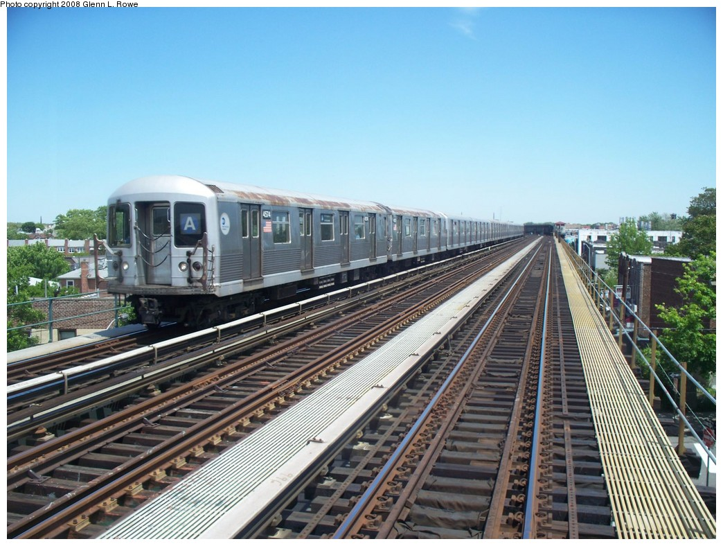 (246k, 1044x788)<br><b>Country:</b> United States<br><b>City:</b> New York<br><b>System:</b> New York City Transit<br><b>Line:</b> IND Fulton Street Line<br><b>Location:</b> Rockaway Boulevard <br><b>Route:</b> A<br><b>Car:</b> R-42 (St. Louis, 1969-1970)  4574 <br><b>Photo by:</b> Glenn L. Rowe<br><b>Date:</b> 5/29/2008<br><b>Notes:</b> Between Rockaway Blvd. and Boyd Ave.<br><b>Viewed (this week/total):</b> 2 / 1258