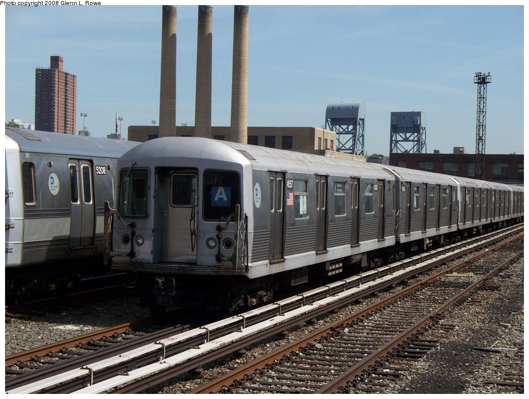 (246k, 1044x788)<br><b>Country:</b> United States<br><b>City:</b> New York<br><b>System:</b> New York City Transit<br><b>Location:</b> 207th Street Yard<br><b>Car:</b> R-42 (St. Louis, 1969-1970)  4557 <br><b>Photo by:</b> Glenn L. Rowe<br><b>Date:</b> 5/30/2008<br><b>Viewed (this week/total):</b> 0 / 1101