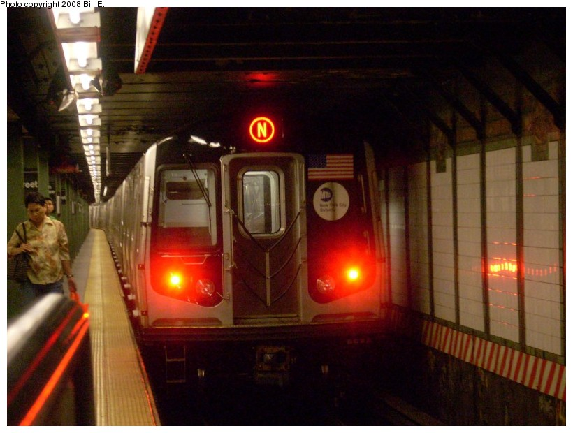 (150k, 820x620)<br><b>Country:</b> United States<br><b>City:</b> New York<br><b>System:</b> New York City Transit<br><b>Line:</b> BMT Broadway Line<br><b>Location:</b> 14th Street/Union Square <br><b>Route:</b> N<br><b>Car:</b> R-160A/R-160B Series (Number Unknown)  <br><b>Photo by:</b> Bill E.<br><b>Date:</b> 6/1/2008<br><b>Viewed (this week/total):</b> 0 / 1635