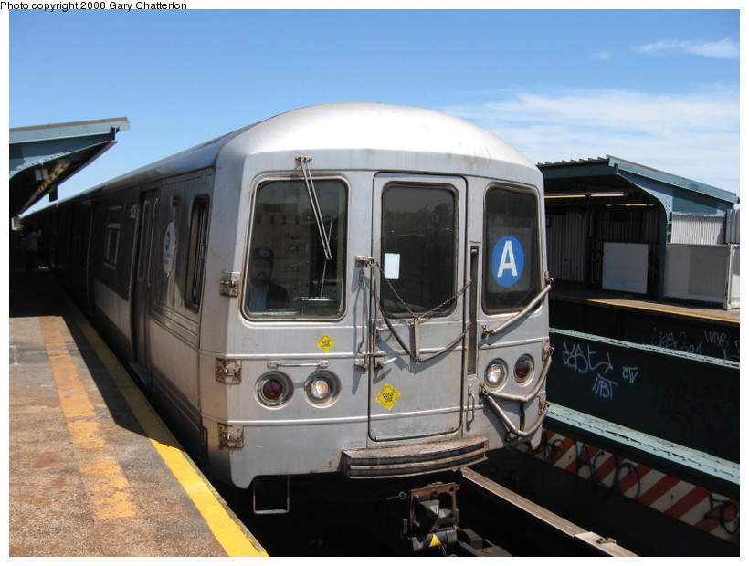 (124k, 820x620)<br><b>Country:</b> United States<br><b>City:</b> New York<br><b>System:</b> New York City Transit<br><b>Line:</b> IND Fulton Street Line<br><b>Location:</b> 80th Street/Hudson Street <br><b>Route:</b> A<br><b>Car:</b> R-44 (St. Louis, 1971-73) 5426 <br><b>Photo by:</b> Gary Chatterton<br><b>Date:</b> 5/28/2008<br><b>Viewed (this week/total):</b> 6 / 1542