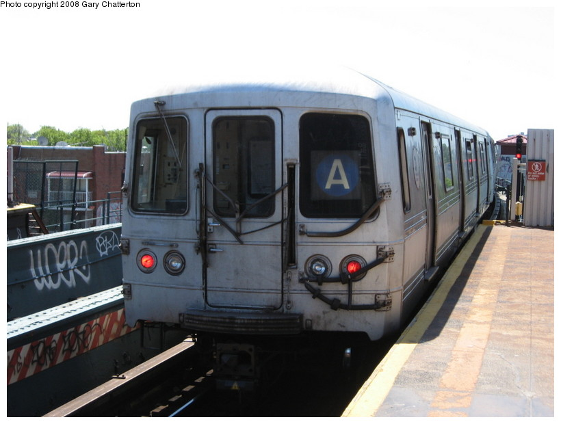 (110k, 820x620)<br><b>Country:</b> United States<br><b>City:</b> New York<br><b>System:</b> New York City Transit<br><b>Line:</b> IND Fulton Street Line<br><b>Location:</b> 80th Street/Hudson Street <br><b>Route:</b> A<br><b>Car:</b> R-44 (St. Louis, 1971-73) 5266 <br><b>Photo by:</b> Gary Chatterton<br><b>Date:</b> 5/28/2008<br><b>Viewed (this week/total):</b> 3 / 1760