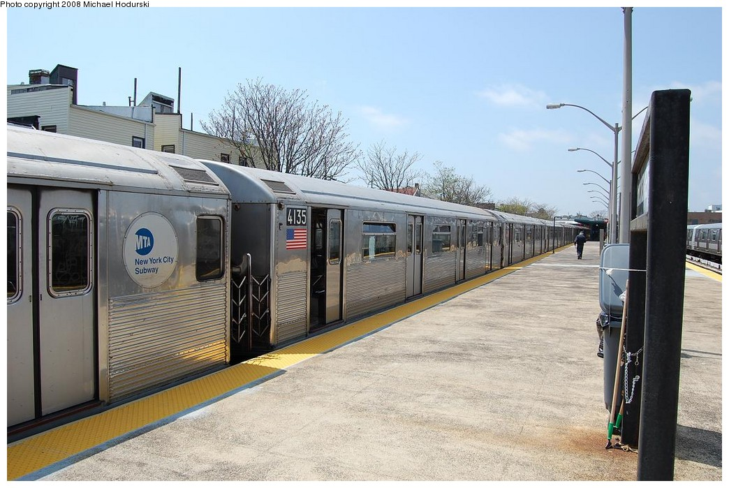 (247k, 1044x699)<br><b>Country:</b> United States<br><b>City:</b> New York<br><b>System:</b> New York City Transit<br><b>Line:</b> IND Rockaway<br><b>Location:</b> Rockaway Park/Beach 116th Street <br><b>Route:</b> A<br><b>Car:</b> R-38 (St. Louis, 1966-1967)  4135 <br><b>Photo by:</b> Michael Hodurski<br><b>Date:</b> 5/3/2008<br><b>Viewed (this week/total):</b> 1 / 982
