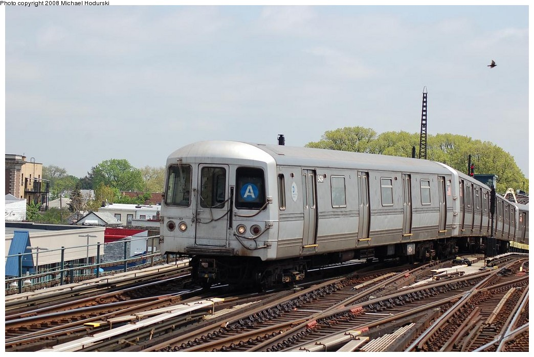 (234k, 1044x699)<br><b>Country:</b> United States<br><b>City:</b> New York<br><b>System:</b> New York City Transit<br><b>Line:</b> IND Fulton Street Line<br><b>Location:</b> Rockaway Boulevard <br><b>Route:</b> A<br><b>Car:</b> R-44 (St. Louis, 1971-73) 5424 <br><b>Photo by:</b> Michael Hodurski<br><b>Date:</b> 5/3/2008<br><b>Viewed (this week/total):</b> 4 / 889