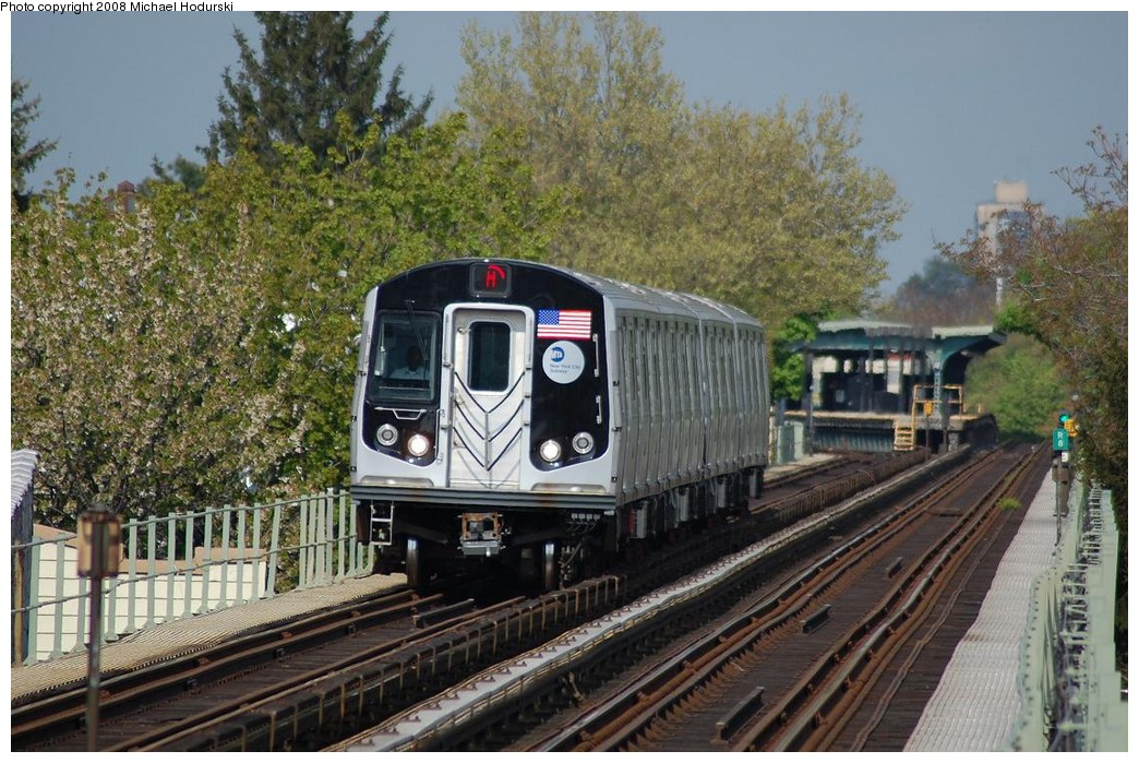 (273k, 1044x699)<br><b>Country:</b> United States<br><b>City:</b> New York<br><b>System:</b> New York City Transit<br><b>Line:</b> BMT Myrtle Avenue Line<br><b>Location:</b> Forest Avenue <br><b>Route:</b> M<br><b>Car:</b> R-160A-1 (Alstom, 2005-2008, 4 car sets)  8428 <br><b>Photo by:</b> Michael Hodurski<br><b>Date:</b> 5/3/2008<br><b>Viewed (this week/total):</b> 6 / 2411