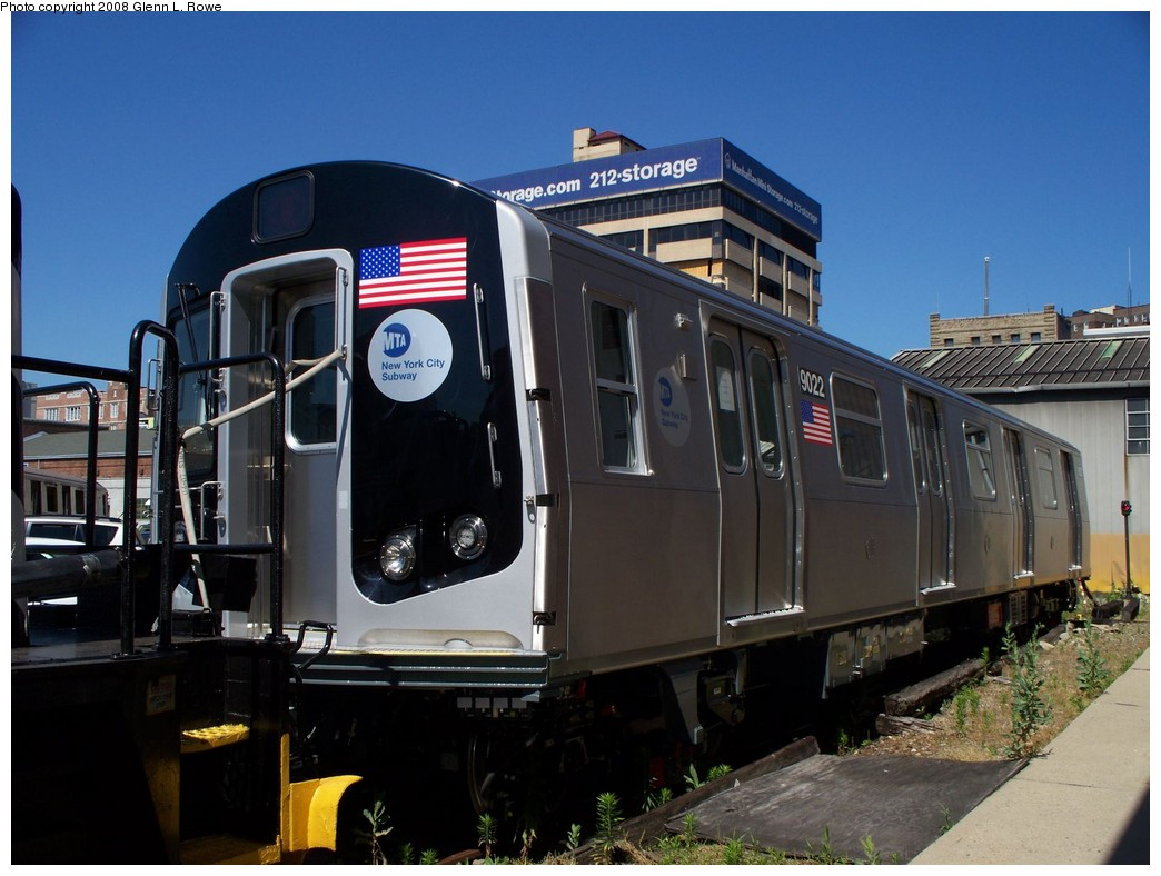 (198k, 1044x788)<br><b>Country:</b> United States<br><b>City:</b> New York<br><b>System:</b> New York City Transit<br><b>Location:</b> 207th Street Yard<br><b>Car:</b> R-160B (Option 1) (Kawasaki, 2008-2009)  9022 <br><b>Photo by:</b> Glenn L. Rowe<br><b>Date:</b> 6/12/2008<br><b>Viewed (this week/total):</b> 1 / 2566