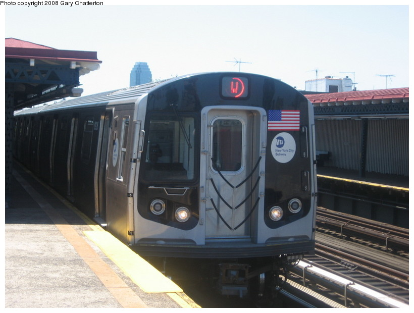 (112k, 820x620)<br><b>Country:</b> United States<br><b>City:</b> New York<br><b>System:</b> New York City Transit<br><b>Line:</b> BMT Astoria Line<br><b>Location:</b> Broadway <br><b>Route:</b> W<br><b>Car:</b> R-160B (Kawasaki, 2005-2008)  8928 <br><b>Photo by:</b> Gary Chatterton<br><b>Date:</b> 6/12/2008<br><b>Viewed (this week/total):</b> 3 / 1166