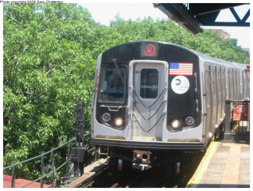 (144k, 820x620)<br><b>Country:</b> United States<br><b>City:</b> New York<br><b>System:</b> New York City Transit<br><b>Line:</b> BMT Astoria Line<br><b>Location:</b> Astoria Boulevard/Hoyt Avenue <br><b>Route:</b> W<br><b>Car:</b> R-160B (Kawasaki, 2005-2008)  8853 <br><b>Photo by:</b> Gary Chatterton<br><b>Date:</b> 6/12/2008<br><b>Viewed (this week/total):</b> 2 / 1438