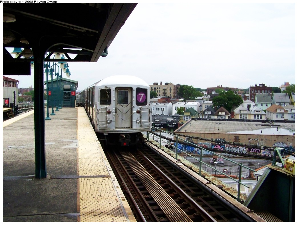 (218k, 1044x788)<br><b>Country:</b> United States<br><b>City:</b> New York<br><b>System:</b> New York City Transit<br><b>Line:</b> IRT Flushing Line<br><b>Location:</b> 61st Street/Woodside <br><b>Route:</b> 7<br><b>Car:</b> R-62A (Bombardier, 1984-1987)  1866 <br><b>Photo by:</b> Rayvon Owens<br><b>Date:</b> 6/15/2008<br><b>Viewed (this week/total):</b> 1 / 770