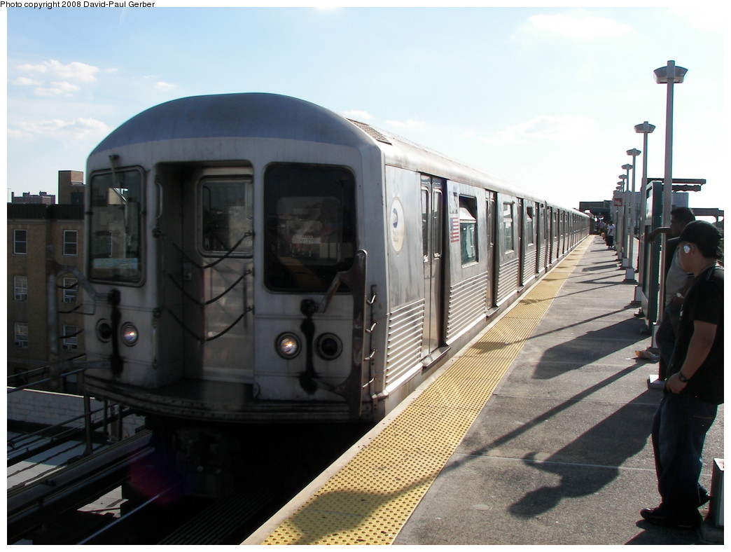 (242k, 1044x788)<br><b>Country:</b> United States<br><b>City:</b> New York<br><b>System:</b> New York City Transit<br><b>Line:</b> BMT Nassau Street/Jamaica Line<br><b>Location:</b> Alabama Avenue <br><b>Route:</b> Z<br><b>Car:</b> R-42 (St. Louis, 1969-1970)  4760 <br><b>Photo by:</b> David-Paul Gerber<br><b>Date:</b> 6/11/2008<br><b>Viewed (this week/total):</b> 2 / 1417