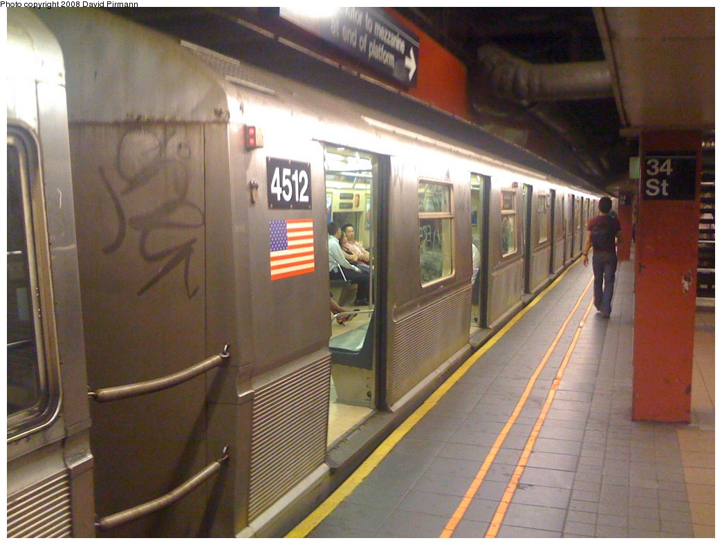 (207k, 1044x788)<br><b>Country:</b> United States<br><b>City:</b> New York<br><b>System:</b> New York City Transit<br><b>Line:</b> IND 6th Avenue Line<br><b>Location:</b> 34th Street/Herald Square <br><b>Route:</b> B-Yankees Special<br><b>Car:</b> R-40M (St. Louis, 1969)  4512 <br><b>Photo by:</b> David Pirmann<br><b>Date:</b> 6/20/2008<br><b>Viewed (this week/total):</b> 4 / 1698