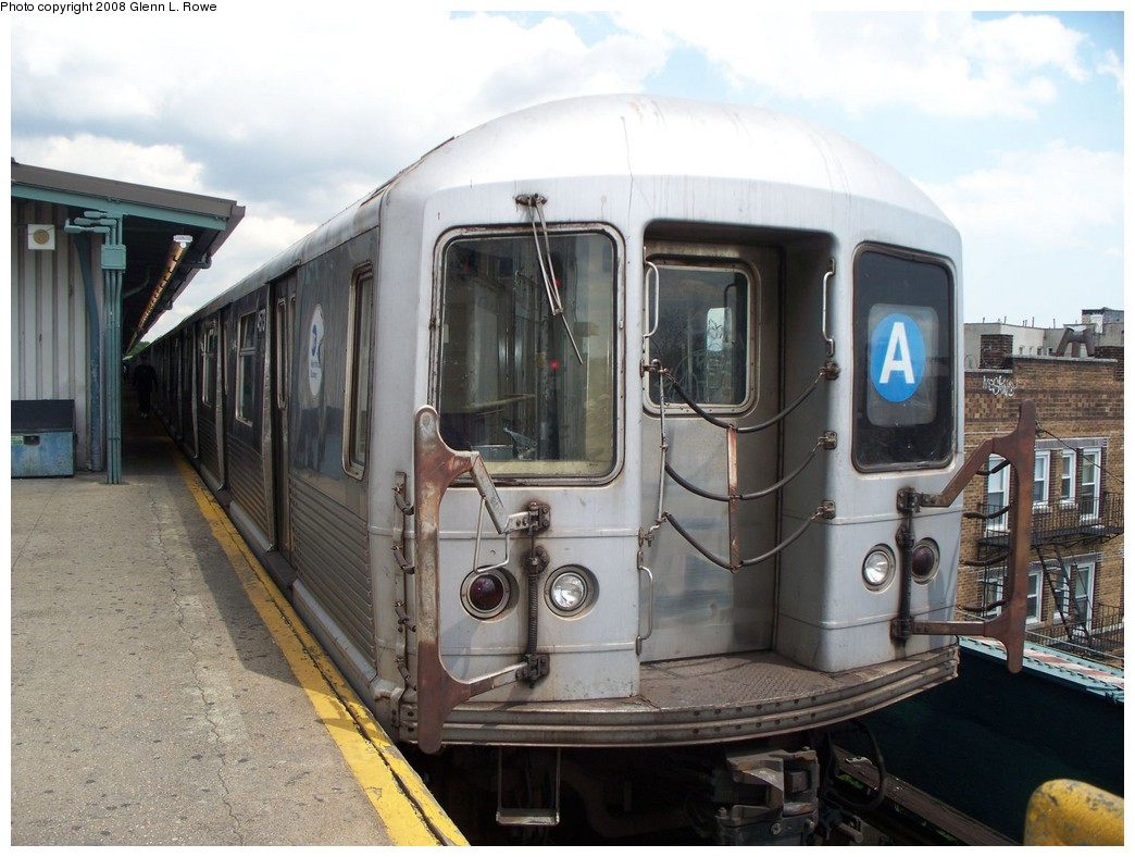 (206k, 1044x788)<br><b>Country:</b> United States<br><b>City:</b> New York<br><b>System:</b> New York City Transit<br><b>Line:</b> IND Fulton Street Line<br><b>Location:</b> Lefferts Boulevard <br><b>Route:</b> A<br><b>Car:</b> R-42 (St. Louis, 1969-1970)  4573 <br><b>Photo by:</b> Glenn L. Rowe<br><b>Date:</b> 6/19/2008<br><b>Viewed (this week/total):</b> 1 / 851