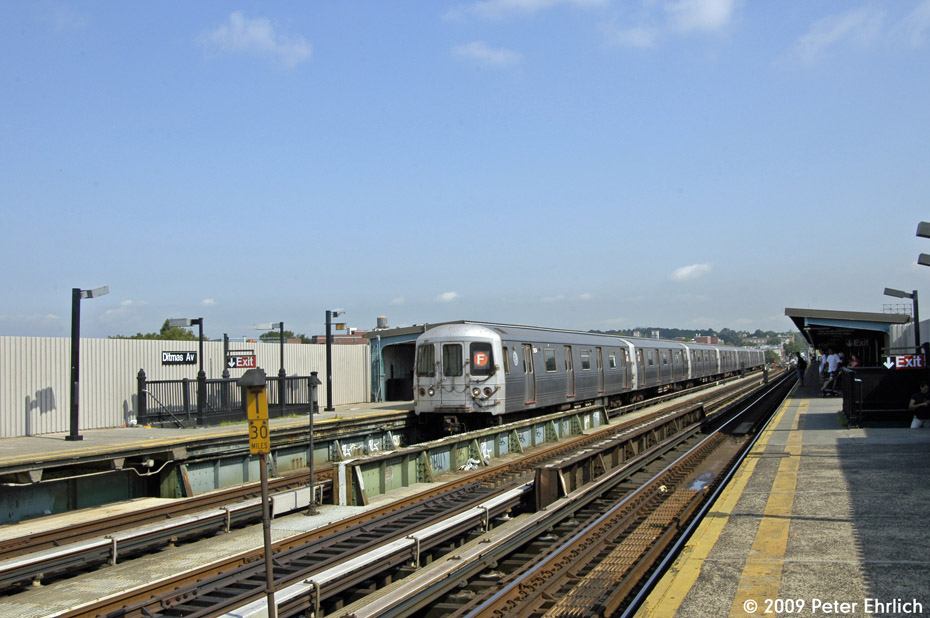 (190k, 930x618)<br><b>Country:</b> United States<br><b>City:</b> New York<br><b>System:</b> New York City Transit<br><b>Line:</b> BMT Culver Line<br><b>Location:</b> Ditmas Avenue <br><b>Route:</b> F<br><b>Car:</b> R-46 (Pullman-Standard, 1974-75) 5854 <br><b>Photo by:</b> Peter Ehrlich<br><b>Date:</b> 7/22/2009<br><b>Notes:</b> Outbound<br><b>Viewed (this week/total):</b> 0 / 452