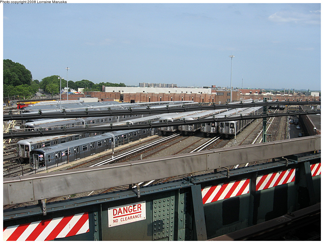 (324k, 1044x788)<br><b>Country:</b> United States<br><b>City:</b> New York<br><b>System:</b> New York City Transit<br><b>Location:</b> East New York Yard/Shops<br><b>Photo by:</b> Lorraine Maruska<br><b>Date:</b> 6/3/2008<br><b>Notes:</b> Still some R42s left at East New York Yard.<br><b>Viewed (this week/total):</b> 1 / 1287