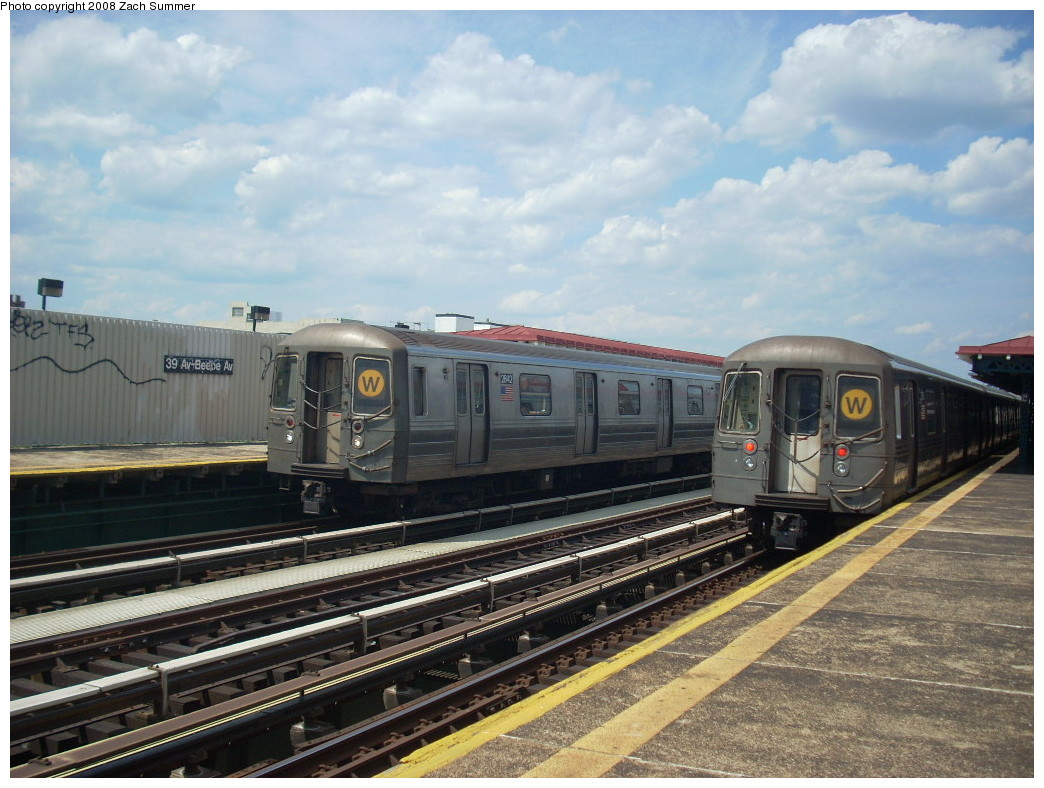 (257k, 1044x788)<br><b>Country:</b> United States<br><b>City:</b> New York<br><b>System:</b> New York City Transit<br><b>Line:</b> BMT Astoria Line<br><b>Location:</b> 39th/Beebe Aves. <br><b>Route:</b> W<br><b>Car:</b> R-68 (Westinghouse-Amrail, 1986-1988)  2842/2790 <br><b>Photo by:</b> Zach Summer<br><b>Date:</b> 6/25/2008<br><b>Viewed (this week/total):</b> 1 / 1544