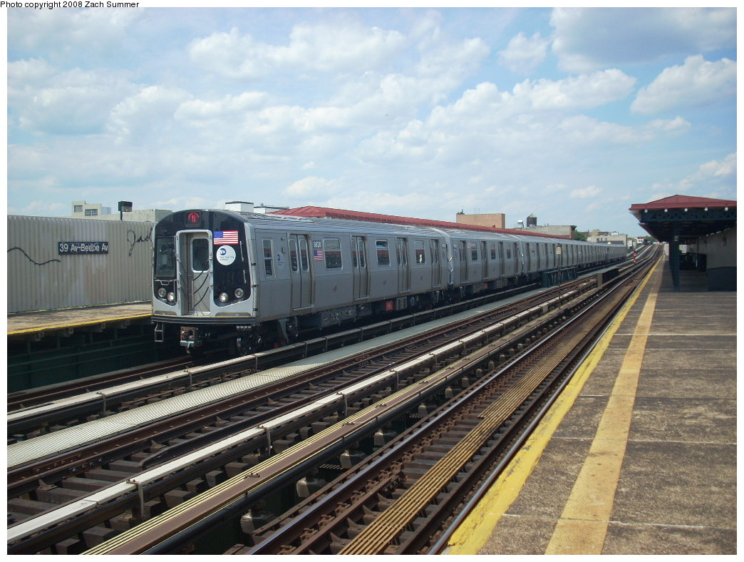 (271k, 1044x788)<br><b>Country:</b> United States<br><b>City:</b> New York<br><b>System:</b> New York City Transit<br><b>Line:</b> BMT Astoria Line<br><b>Location:</b> 39th/Beebe Aves. <br><b>Route:</b> N<br><b>Car:</b> R-160B (Kawasaki, 2005-2008)  8928 <br><b>Photo by:</b> Zach Summer<br><b>Date:</b> 6/25/2008<br><b>Viewed (this week/total):</b> 0 / 1290