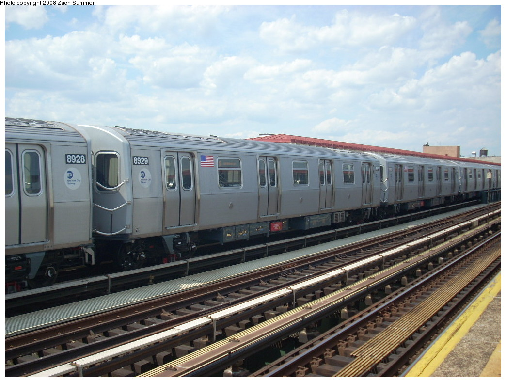 (256k, 1044x788)<br><b>Country:</b> United States<br><b>City:</b> New York<br><b>System:</b> New York City Transit<br><b>Line:</b> BMT Astoria Line<br><b>Location:</b> 39th/Beebe Aves. <br><b>Route:</b> N<br><b>Car:</b> R-160B (Kawasaki, 2005-2008)  8929 <br><b>Photo by:</b> Zach Summer<br><b>Date:</b> 6/25/2008<br><b>Viewed (this week/total):</b> 0 / 2030