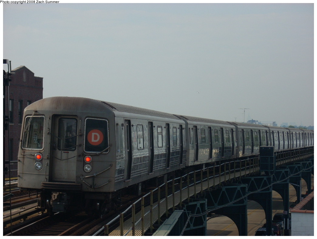 (194k, 1044x788)<br><b>Country:</b> United States<br><b>City:</b> New York<br><b>System:</b> New York City Transit<br><b>Line:</b> BMT West End Line<br><b>Location:</b> 18th Avenue <br><b>Route:</b> D<br><b>Car:</b> R-68 (Westinghouse-Amrail, 1986-1988)   <br><b>Photo by:</b> Zach Summer<br><b>Date:</b> 6/26/2008<br><b>Viewed (this week/total):</b> 2 / 773