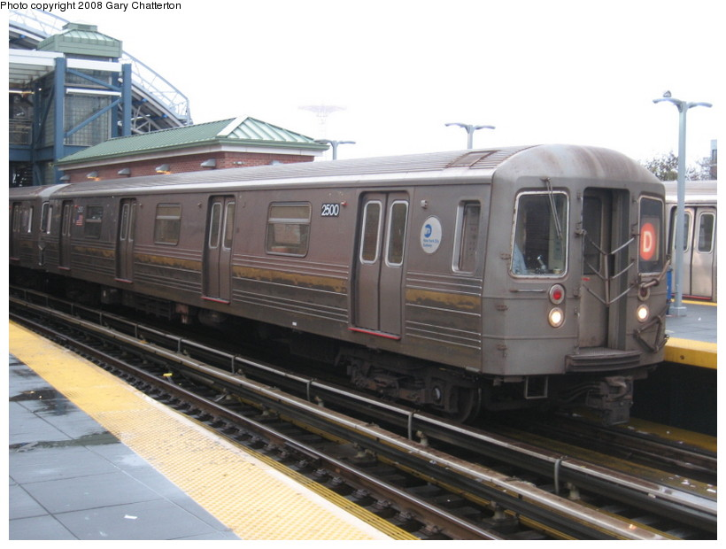 (120k, 820x620)<br><b>Country:</b> United States<br><b>City:</b> New York<br><b>System:</b> New York City Transit<br><b>Location:</b> Coney Island/Stillwell Avenue<br><b>Route:</b> D<br><b>Car:</b> R-68 (Westinghouse-Amrail, 1986-1988)  2500 <br><b>Photo by:</b> Gary Chatterton<br><b>Date:</b> 11/26/2007<br><b>Viewed (this week/total):</b> 1 / 1366