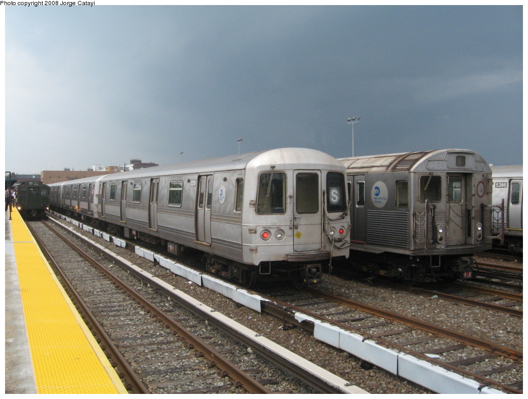 (208k, 1044x788)<br><b>Country:</b> United States<br><b>City:</b> New York<br><b>System:</b> New York City Transit<br><b>Location:</b> Rockaway Park Yard<br><b>Car:</b> R-44 (St. Louis, 1971-73) 5210 <br><b>Photo by:</b> Jorge Catayi<br><b>Date:</b> 6/15/2008<br><b>Viewed (this week/total):</b> 4 / 1838