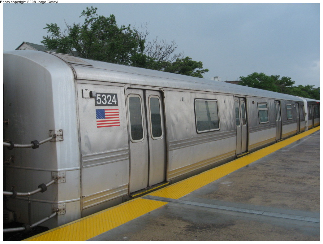 (186k, 1044x788)<br><b>Country:</b> United States<br><b>City:</b> New York<br><b>System:</b> New York City Transit<br><b>Line:</b> IND Rockaway<br><b>Location:</b> Rockaway Park/Beach 116th Street <br><b>Route:</b> S<br><b>Car:</b> R-44 (St. Louis, 1971-73) 5324 <br><b>Photo by:</b> Jorge Catayi<br><b>Date:</b> 6/15/2008<br><b>Viewed (this week/total):</b> 0 / 739