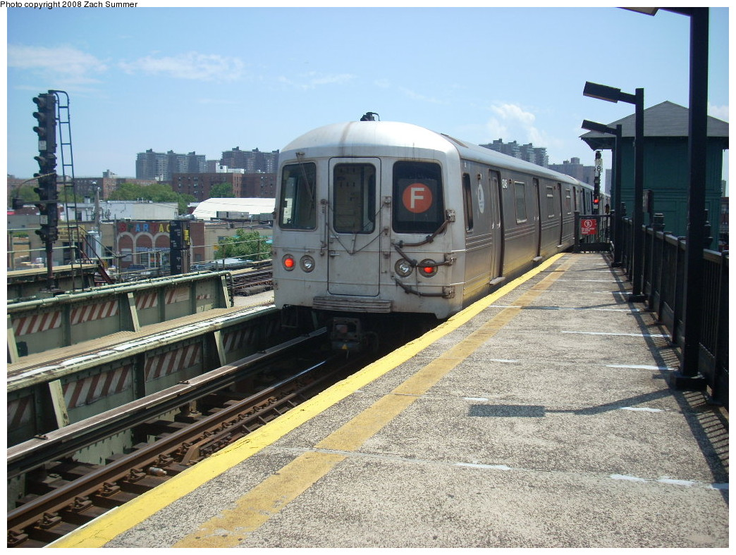 (302k, 1044x788)<br><b>Country:</b> United States<br><b>City:</b> New York<br><b>System:</b> New York City Transit<br><b>Line:</b> BMT Culver Line<br><b>Location:</b> Avenue X <br><b>Route:</b> F<br><b>Car:</b> R-46 (Pullman-Standard, 1974-75)  <br><b>Photo by:</b> Zach Summer<br><b>Date:</b> 6/30/2008<br><b>Viewed (this week/total):</b> 0 / 886
