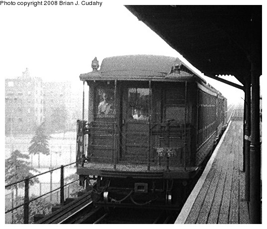 (101k, 537x460)<br><b>Country:</b> United States<br><b>City:</b> New York<br><b>System:</b> New York City Transit<br><b>Line:</b> BMT Myrtle Avenue Line<br><b>Car:</b> BMT Elevated Gate Car  <br><b>Photo by:</b> Brian J. Cudahy<br><b>Date:</b> 1955<br><b>Notes:</b> BU units on Myrtle Avenue Line.<br><b>Viewed (this week/total):</b> 2 / 957