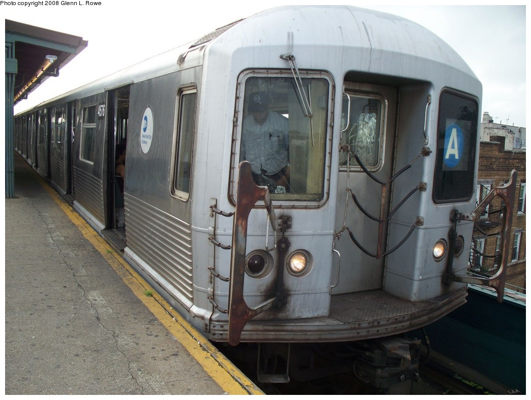 (212k, 1044x788)<br><b>Country:</b> United States<br><b>City:</b> New York<br><b>System:</b> New York City Transit<br><b>Line:</b> IND Fulton Street Line<br><b>Location:</b> Lefferts Boulevard <br><b>Route:</b> A<br><b>Car:</b> R-42 (St. Louis, 1969-1970)  4576 <br><b>Photo by:</b> Glenn L. Rowe<br><b>Date:</b> 7/7/2008<br><b>Viewed (this week/total):</b> 3 / 852