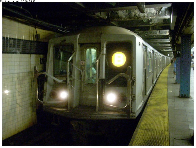 (157k, 820x620)<br><b>Country:</b> United States<br><b>City:</b> New York<br><b>System:</b> New York City Transit<br><b>Line:</b> IND Queens Boulevard Line<br><b>Location:</b> 7th Avenue/53rd Street <br><b>Route:</b> B<br><b>Car:</b> R-40 (St. Louis, 1968)   <br><b>Photo by:</b> Bill E.<br><b>Date:</b> 6/26/2008<br><b>Viewed (this week/total):</b> 2 / 1130
