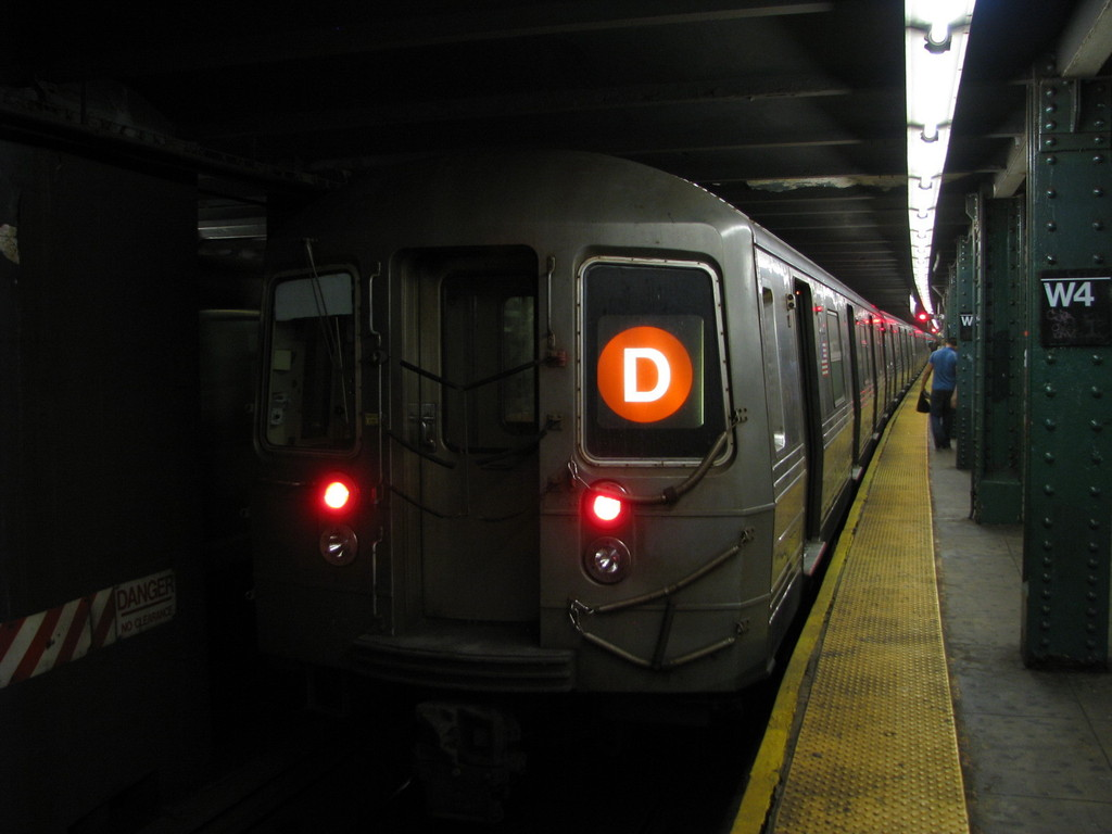 (137k, 1024x768)<br><b>Country:</b> United States<br><b>City:</b> New York<br><b>System:</b> New York City Transit<br><b>Line:</b> IND 6th Avenue Line<br><b>Location:</b> West 4th Street/Washington Square <br><b>Route:</b> D<br><b>Car:</b> R-68 (Westinghouse-Amrail, 1986-1988)  2504 <br><b>Photo by:</b> Andrew Johnson<br><b>Date:</b> 6/30/2008<br><b>Viewed (this week/total):</b> 2 / 1205