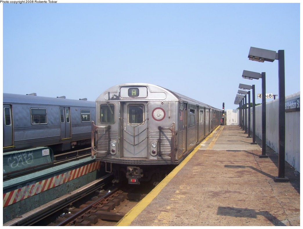 (183k, 1044x791)<br><b>Country:</b> United States<br><b>City:</b> New York<br><b>System:</b> New York City Transit<br><b>Line:</b> IND Fulton Street Line<br><b>Location:</b> 80th Street/Hudson Street <br><b>Route:</b> A<br><b>Car:</b> R-38 (St. Louis, 1966-1967)  4106 <br><b>Photo by:</b> Roberto C. Tobar<br><b>Date:</b> 7/12/2008<br><b>Viewed (this week/total):</b> 3 / 1045
