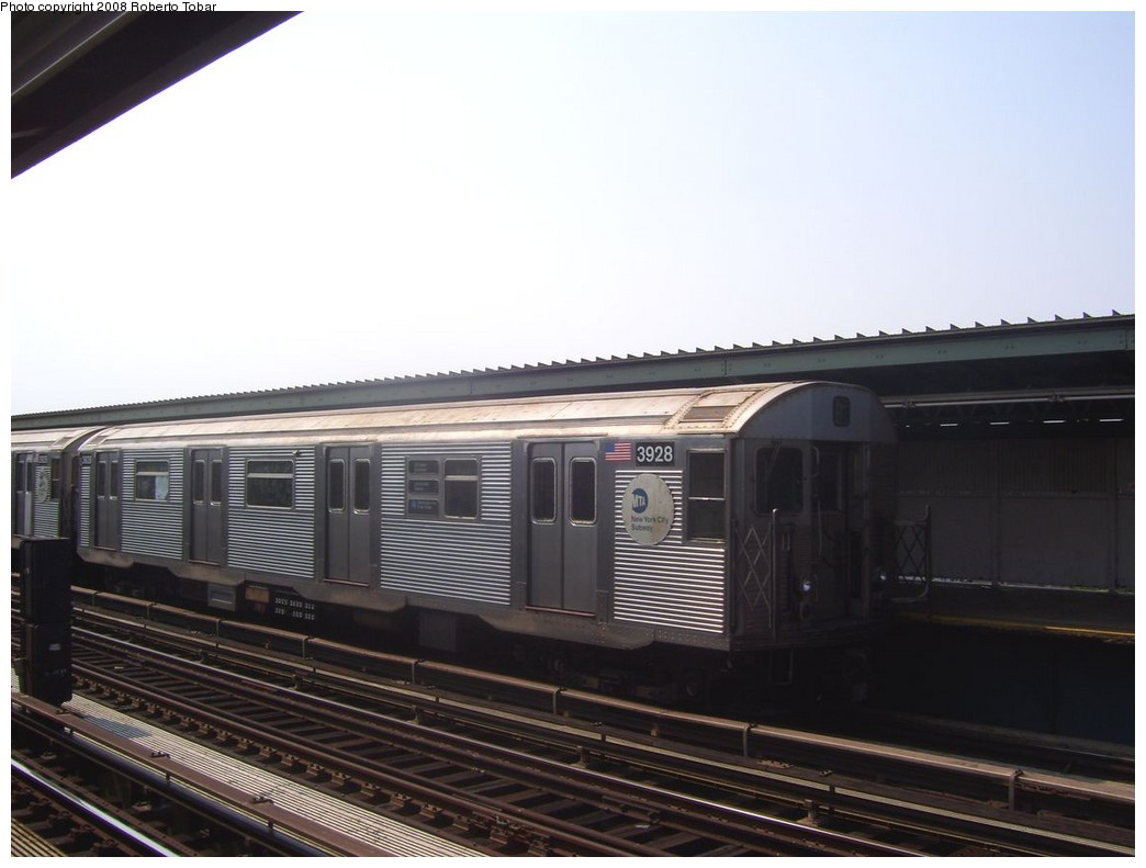 (155k, 1044x791)<br><b>Country:</b> United States<br><b>City:</b> New York<br><b>System:</b> New York City Transit<br><b>Line:</b> IND Fulton Street Line<br><b>Location:</b> 80th Street/Hudson Street <br><b>Route:</b> A<br><b>Car:</b> R-32 (Budd, 1964)  3928 <br><b>Photo by:</b> Roberto C. Tobar<br><b>Date:</b> 7/12/2008<br><b>Viewed (this week/total):</b> 2 / 711