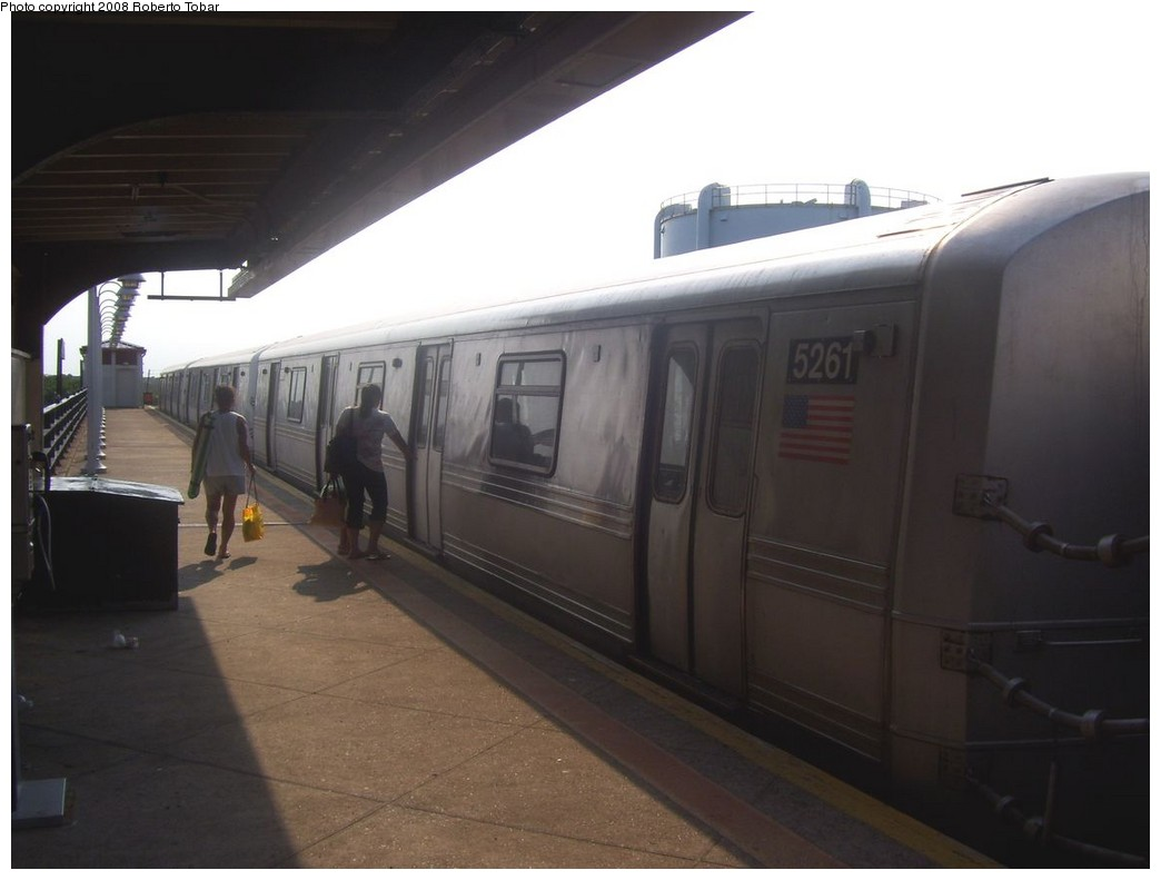 (134k, 1044x791)<br><b>Country:</b> United States<br><b>City:</b> New York<br><b>System:</b> New York City Transit<br><b>Line:</b> IND Rockaway<br><b>Location:</b> Beach 105th Street/Seaside <br><b>Route:</b> S<br><b>Car:</b> R-44 (St. Louis, 1971-73) 5261 <br><b>Photo by:</b> Roberto C. Tobar<br><b>Date:</b> 7/12/2008<br><b>Viewed (this week/total):</b> 5 / 1420