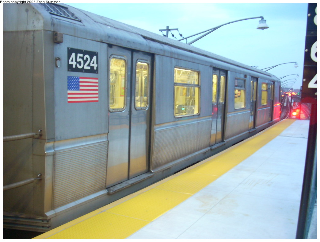 (202k, 1044x788)<br><b>Country:</b> United States<br><b>City:</b> New York<br><b>System:</b> New York City Transit<br><b>Line:</b> BMT Brighton Line<br><b>Location:</b> Ocean Parkway <br><b>Route:</b> B<br><b>Car:</b> R-40M (St. Louis, 1969)  4524 <br><b>Photo by:</b> Zach Summer<br><b>Date:</b> 7/3/2008<br><b>Viewed (this week/total):</b> 2 / 849