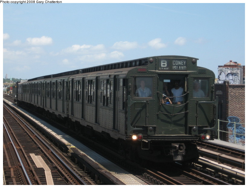 (122k, 820x620)<br><b>Country:</b> United States<br><b>City:</b> New York<br><b>System:</b> New York City Transit<br><b>Line:</b> BMT West End Line<br><b>Location:</b> 71st Street <br><b>Route:</b> Transit Museum Nostalgia Train<br><b>Car:</b> R-4 (American Car & Foundry, 1932-1933) 484 <br><b>Photo by:</b> Gary Chatterton<br><b>Date:</b> 7/13/2008<br><b>Viewed (this week/total):</b> 2 / 1401