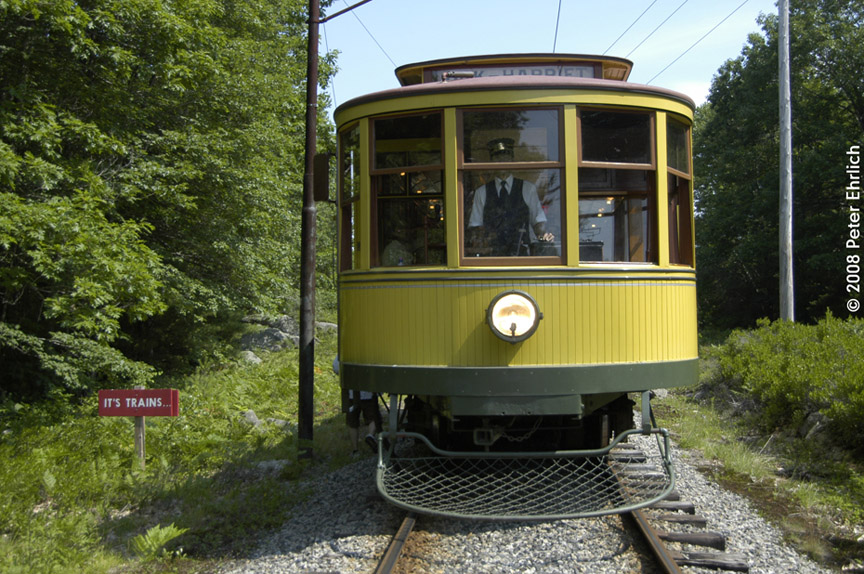 (242k, 864x574)<br><b>Country:</b> United States<br><b>City:</b> Kennebunk, ME<br><b>System:</b> Seashore Trolley Museum <br><b>Car:</b> Twin City Rapid Transit 1267 <br><b>Photo by:</b> Peter Ehrlich<br><b>Date:</b> 7/18/2008<br><b>Notes:</b> Twin City Rapid Transit 1267. South of Talbot Park.  Note the BurmaShave sign.<br><b>Viewed (this week/total):</b> 0 / 398