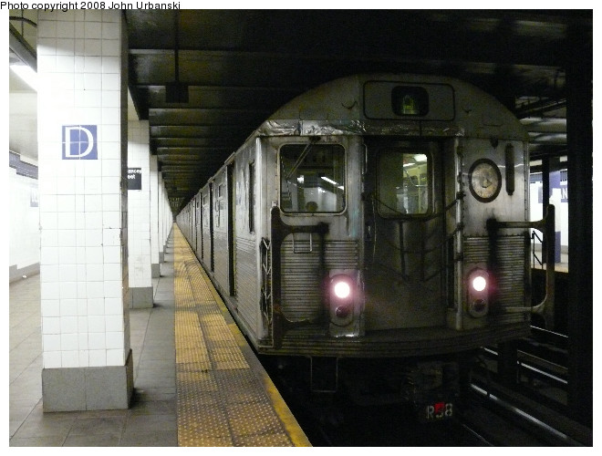 (101k, 660x500)<br><b>Country:</b> United States<br><b>City:</b> New York<br><b>System:</b> New York City Transit<br><b>Line:</b> IND 6th Avenue Line<br><b>Location:</b> Delancey Street <br><b>Route:</b> A reroute<br><b>Car:</b> R-38 (St. Louis, 1966-1967)  4063 <br><b>Photo by:</b> John Urbanski<br><b>Date:</b> 7/26/2008<br><b>Viewed (this week/total):</b> 2 / 2490