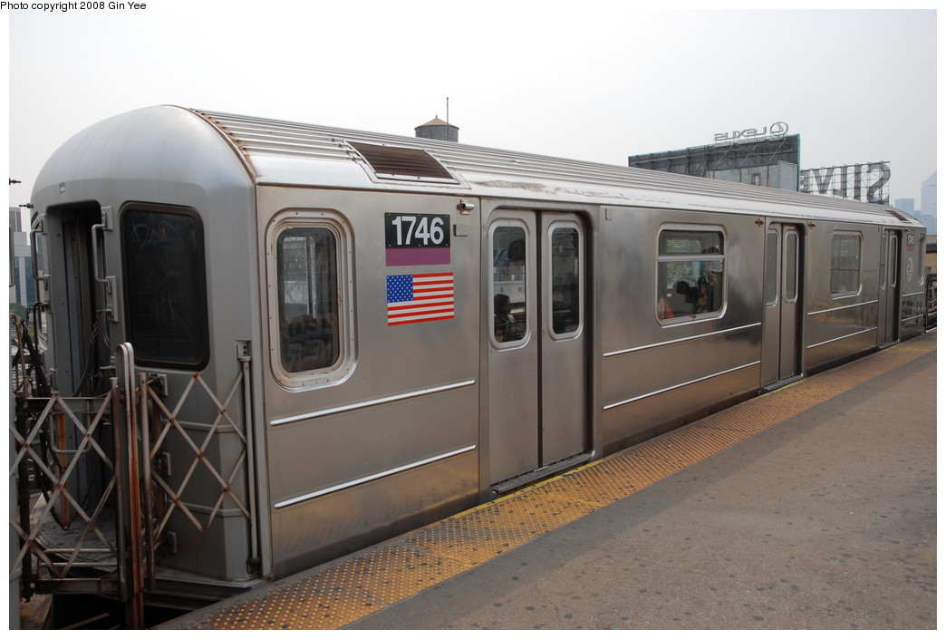 (192k, 1044x705)<br><b>Country:</b> United States<br><b>City:</b> New York<br><b>System:</b> New York City Transit<br><b>Line:</b> IRT Flushing Line<br><b>Location:</b> Queensborough Plaza <br><b>Route:</b> 7<br><b>Car:</b> R-62A (Bombardier, 1984-1987)  1746 <br><b>Photo by:</b> Gin Yee<br><b>Date:</b> 7/30/2008<br><b>Viewed (this week/total):</b> 0 / 1026