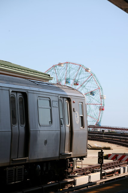 (71k, 426x640)<br><b>Country:</b> United States<br><b>City:</b> New York<br><b>System:</b> New York City Transit<br><b>Location:</b> Coney Island/Stillwell Avenue<br><b>Car:</b> R-160A-2 (Alstom, 2005-2008, 5 car sets)  8662 <br><b>Photo by:</b> Kieran J. O'Hagan<br><b>Date:</b> 7/13/2008<br><b>Notes:</b> New R160A-2 with Wonder Wheel.<br><b>Viewed (this week/total):</b> 3 / 875