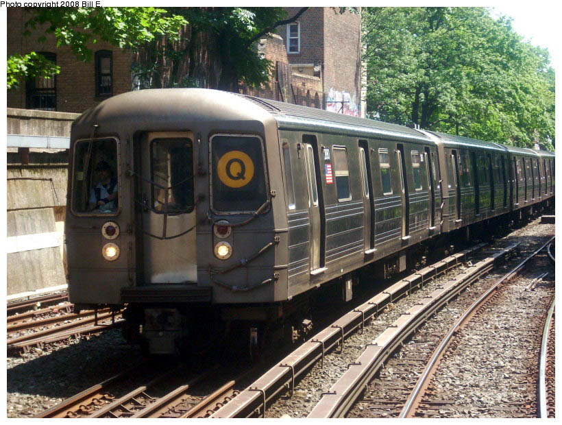 (165k, 820x620)<br><b>Country:</b> United States<br><b>City:</b> New York<br><b>System:</b> New York City Transit<br><b>Line:</b> BMT Brighton Line<br><b>Location:</b> Prospect Park <br><b>Route:</b> Q<br><b>Car:</b> R-68 (Westinghouse-Amrail, 1986-1988)  2880 <br><b>Photo by:</b> Bill E.<br><b>Date:</b> 7/25/2008<br><b>Viewed (this week/total):</b> 0 / 1185