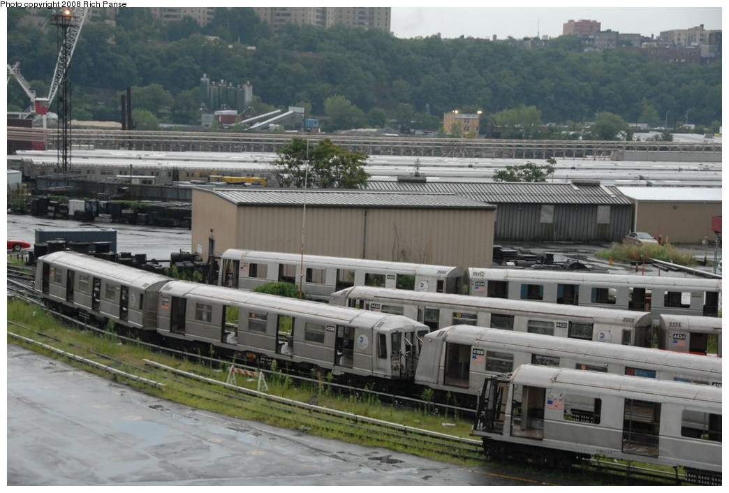 (217k, 1044x706)<br><b>Country:</b> United States<br><b>City:</b> New York<br><b>System:</b> New York City Transit<br><b>Location:</b> 207th Street Yard<br><b>Car:</b> R-40 (St. Louis, 1968)   <br><b>Photo by:</b> Richard Panse<br><b>Date:</b> 8/2/2008<br><b>Notes:</b> Cars visible: 4198, 4189, 4435, 4204, 4205, 4298<br><b>Viewed (this week/total):</b> 3 / 1367