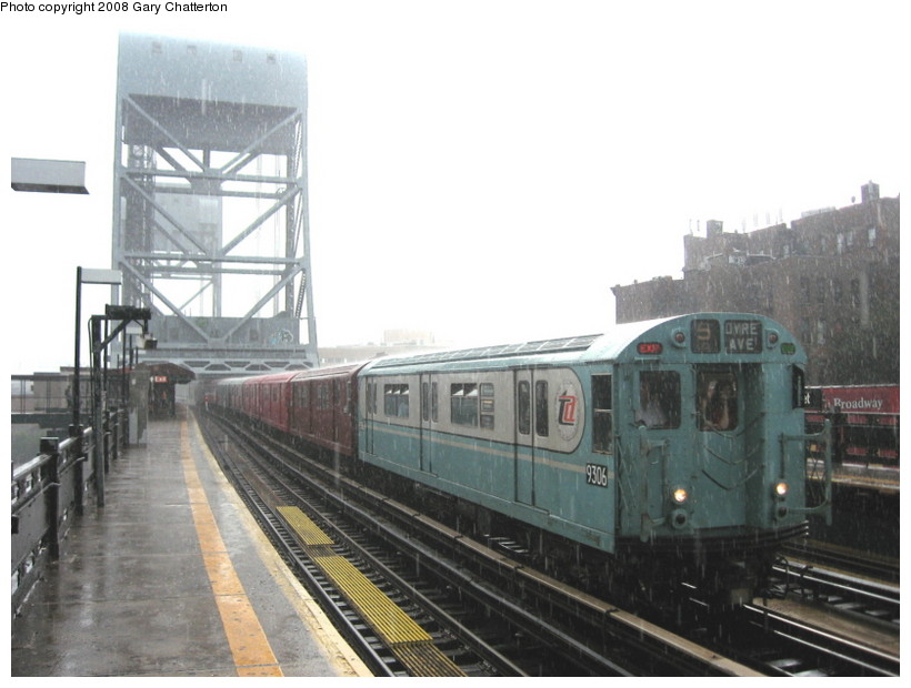 (111k, 820x620)<br><b>Country:</b> United States<br><b>City:</b> New York<br><b>System:</b> New York City Transit<br><b>Line:</b> IRT West Side Line<br><b>Location:</b> 225th Street <br><b>Route:</b> Transit Museum Nostalgia Train<br><b>Car:</b> R-33 World's Fair (St. Louis, 1963-64) 9306 <br><b>Photo by:</b> Gary Chatterton<br><b>Date:</b> 8/2/2008<br><b>Viewed (this week/total):</b> 0 / 1818