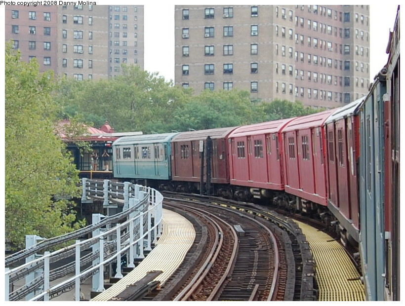 (236k, 820x620)<br><b>Country:</b> United States<br><b>City:</b> New York<br><b>System:</b> New York City Transit<br><b>Line:</b> IRT White Plains Road Line<br><b>Location:</b> Jackson Avenue <br><b>Route:</b> Transit Museum Nostalgia Train<br><b>Photo by:</b> Danny Molina<br><b>Date:</b> 8/2/2008<br><b>Viewed (this week/total):</b> 1 / 886