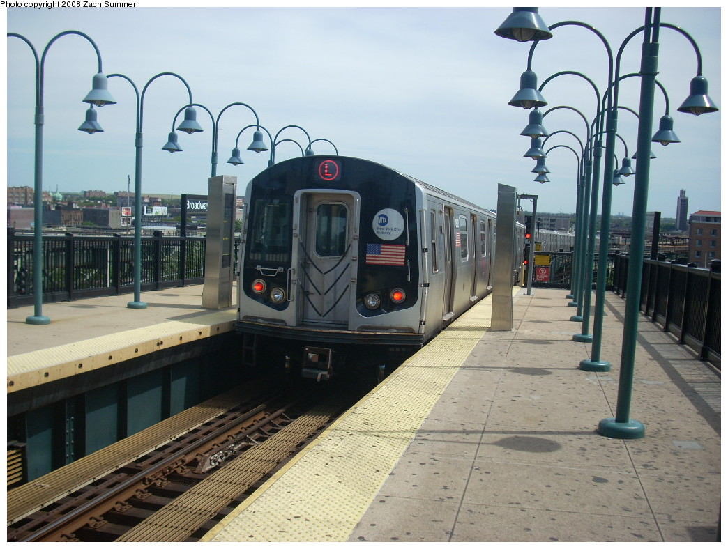 (263k, 1044x788)<br><b>Country:</b> United States<br><b>City:</b> New York<br><b>System:</b> New York City Transit<br><b>Line:</b> BMT Canarsie Line<br><b>Location:</b> Broadway Junction <br><b>Route:</b> L<br><b>Car:</b> R-143 (Kawasaki, 2001-2002)  <br><b>Photo by:</b> Zach Summer<br><b>Date:</b> 7/10/2008<br><b>Viewed (this week/total):</b> 1 / 1056