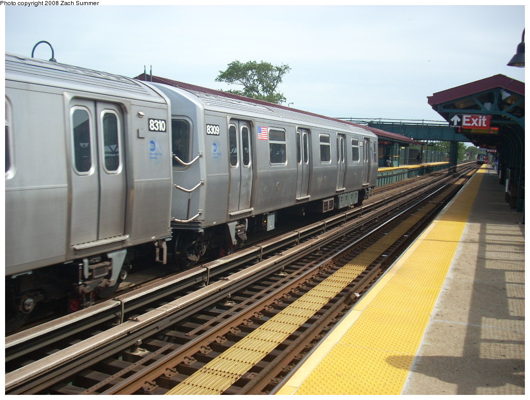 (268k, 1044x788)<br><b>Country:</b> United States<br><b>City:</b> New York<br><b>System:</b> New York City Transit<br><b>Line:</b> BMT Canarsie Line<br><b>Location:</b> Livonia Avenue <br><b>Route:</b> L<br><b>Car:</b> R-143 (Kawasaki, 2001-2002) 8309 <br><b>Photo by:</b> Zach Summer<br><b>Date:</b> 7/10/2008<br><b>Viewed (this week/total):</b> 2 / 1301