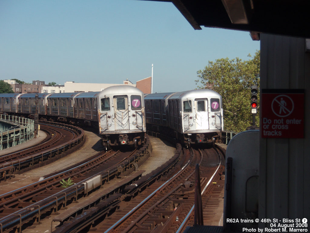 (187k, 1024x768)<br><b>Country:</b> United States<br><b>City:</b> New York<br><b>System:</b> New York City Transit<br><b>Line:</b> IRT Flushing Line<br><b>Location:</b> 46th Street/Bliss Street <br><b>Route:</b> 7<br><b>Car:</b> R-62A (Bombardier, 1984-1987)   <br><b>Photo by:</b> Robert Marrero<br><b>Date:</b> 8/4/2008<br><b>Viewed (this week/total):</b> 3 / 936