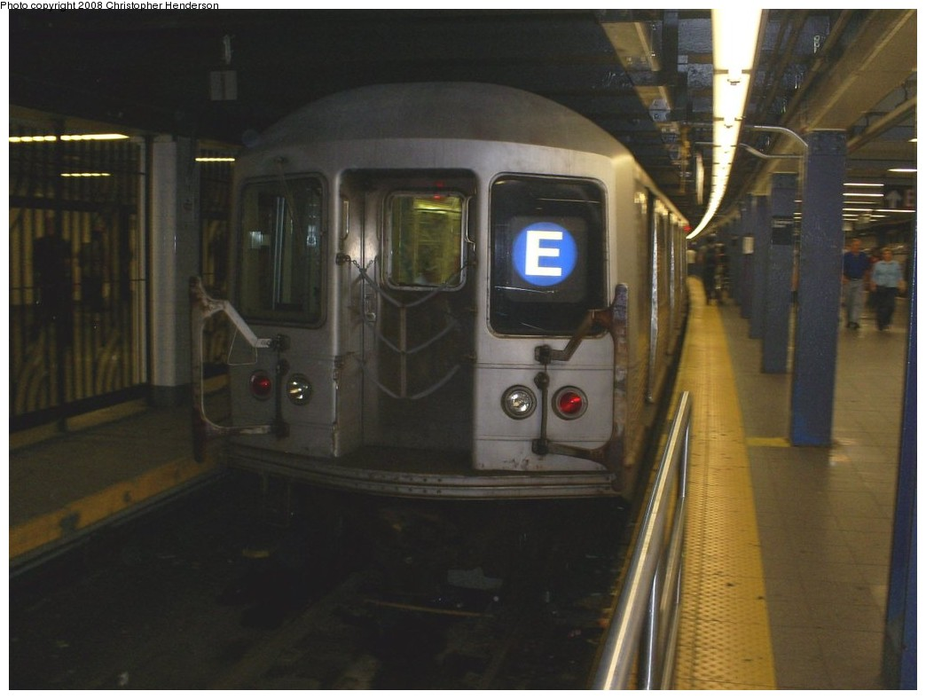 (140k, 1044x788)<br><b>Country:</b> United States<br><b>City:</b> New York<br><b>System:</b> New York City Transit<br><b>Line:</b> IND 8th Avenue Line<br><b>Location:</b> Chambers Street/World Trade Center <br><b>Route:</b> E<br><b>Car:</b> R-42 (St. Louis, 1969-1970)  4672 <br><b>Photo by:</b> Christopher Henderson<br><b>Date:</b> 8/4/2008<br><b>Viewed (this week/total):</b> 1 / 1572