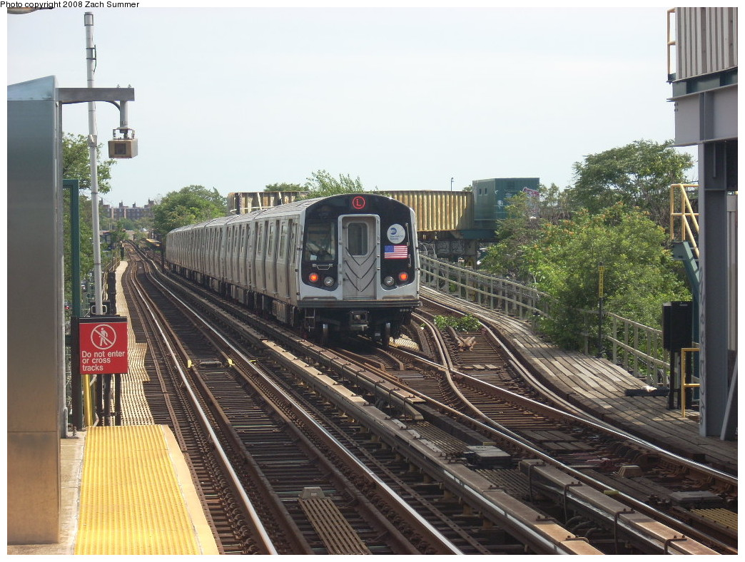 (288k, 1044x788)<br><b>Country:</b> United States<br><b>City:</b> New York<br><b>System:</b> New York City Transit<br><b>Line:</b> BMT Canarsie Line<br><b>Location:</b> Livonia Avenue <br><b>Route:</b> L<br><b>Car:</b> R-143 (Kawasaki, 2001-2002) 8133 <br><b>Photo by:</b> Zach Summer<br><b>Date:</b> 7/10/2008<br><b>Viewed (this week/total):</b> 0 / 1432